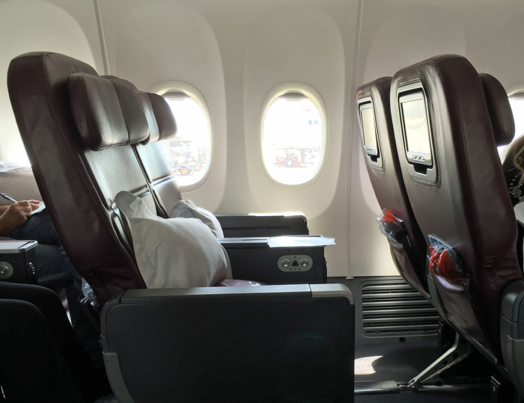 Review Qantas Boeing 737 Business Class